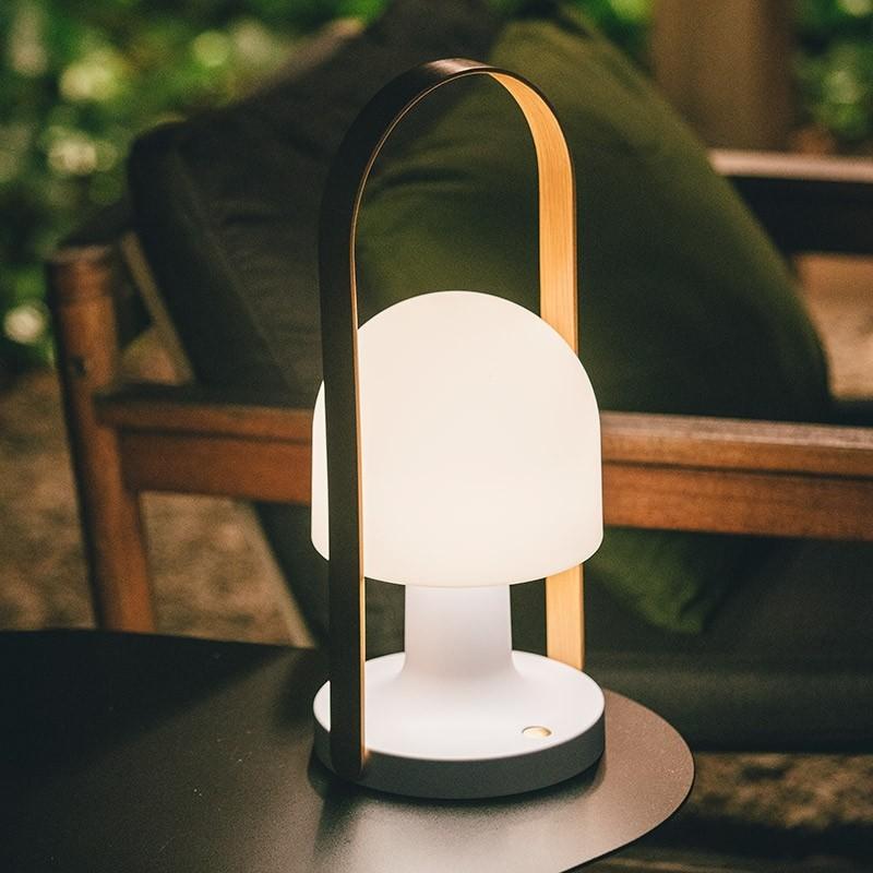 LampefeberFollowMePlusBordlampe-31
