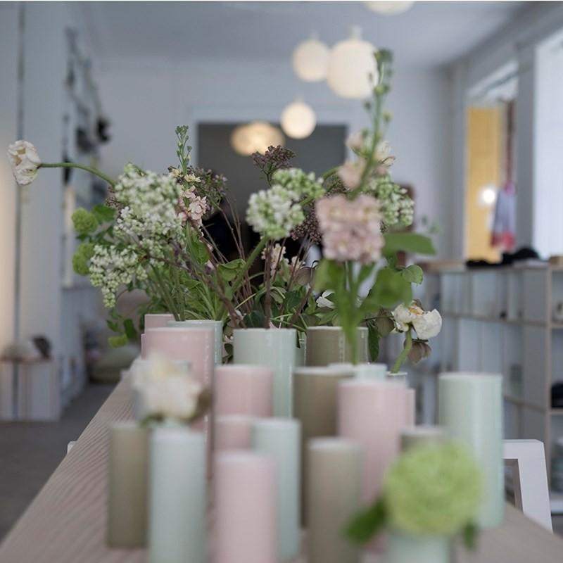 Anne Black Bloom Vase Medium Blue Line-31