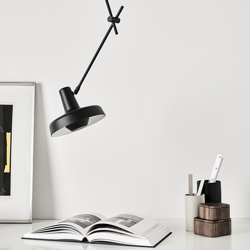 Lampefeber Arigato Loftlampe Sort-31